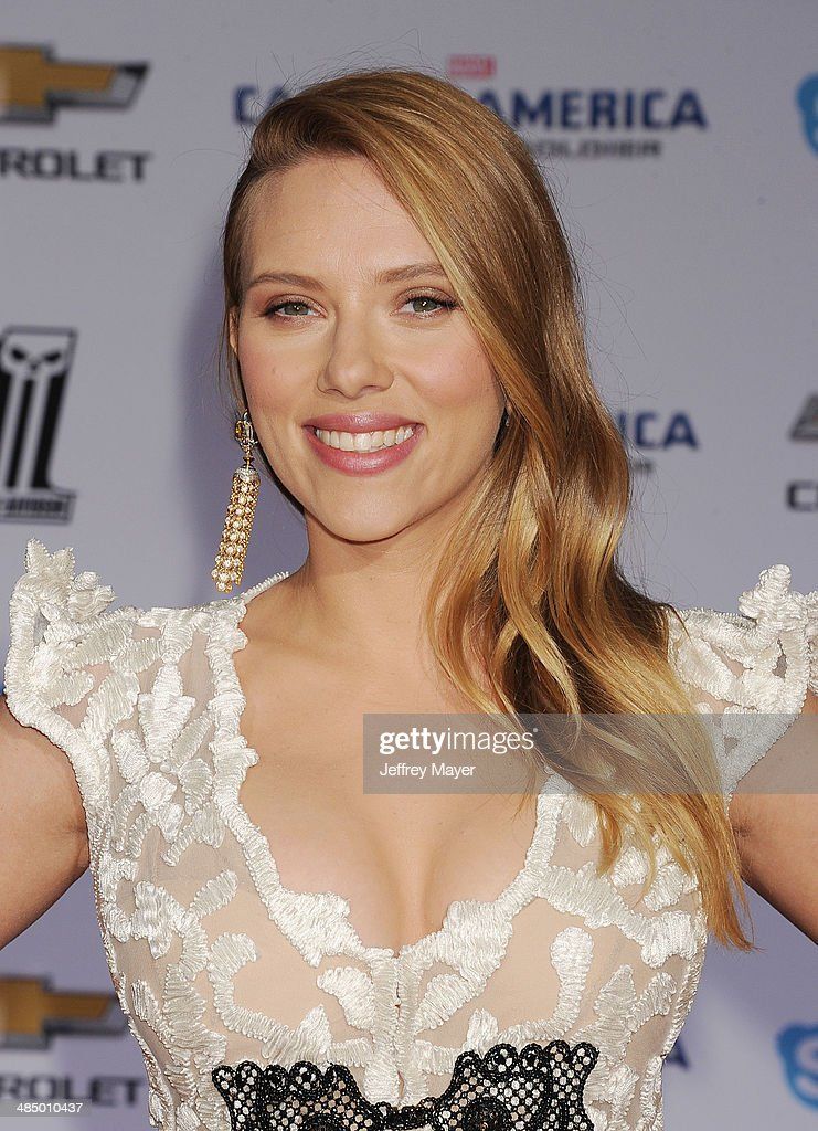 Actress Scarlett Johansson arrives at the Los Angeles premiere of 'Captain America: The Winter Soldier' at the El Capitan Theatre on March 13, 2014 in Hollywood, California.