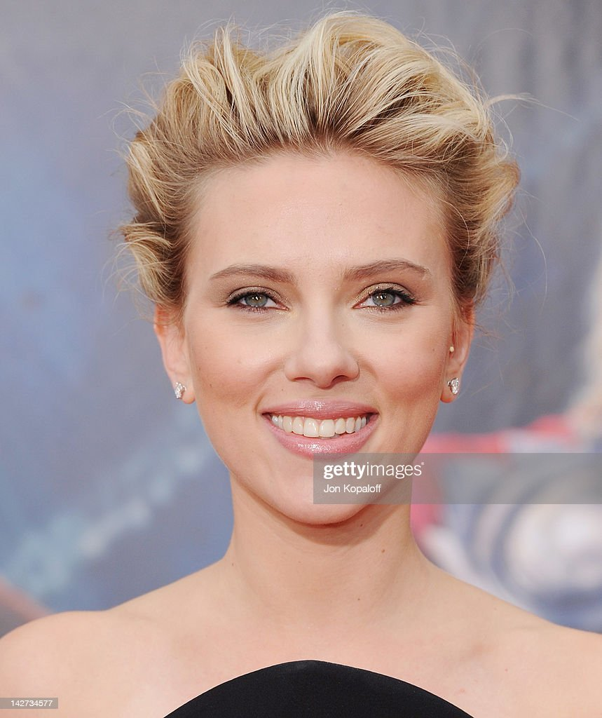 Actress Scarlett Johansson arrives at the Los Angeles Premiere of 'The Avengers' at the El Capitan Theatre on April 11, 2012 in Hollywood, California.