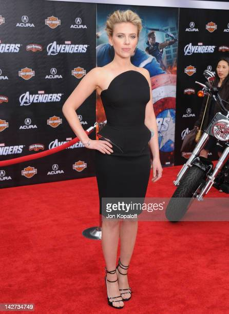 """Actress Scarlett Johansson arrives at the Los Angeles Premiere of """"The Avengers"""" at the El Capitan Theatre on April 11, 2012 in Hollywood, California."""