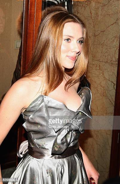 Actress Scarlett Johansson arrives at the Norwegian Nobel Committe Banquet at the Grand Hotel on December 10, 2008 in Oslo, Norway. The Norwegian...