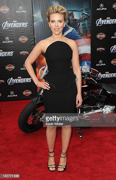 """Actress Scarlett Johansson arrives at the premiere of Marvel Studios' """"The Avengers"""" at the El Capitan Theatre on April 11, 2012 in Hollywood,..."""