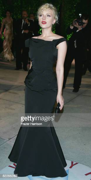 Actress Scarlett Johansson arrives at the Vanity Fair Oscar Party at Mortons on February 27 2005 in West Hollywood California