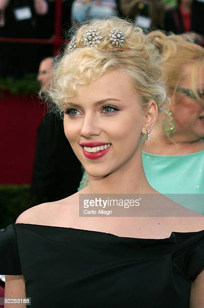 Actress Scarlett Johansson arrives for the 77th Annual Academy Awards at the Kodak Theater on February 27 2005 in Hollywood California