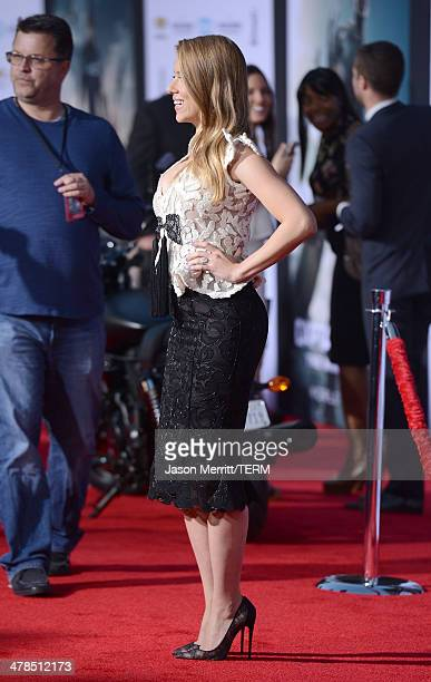 Actress Scarlett Johansson arrives for the premiere of Marvel's 'Captain America: The Winter Soldier' at the El Capitan Theatre on March 13, 2014 in...