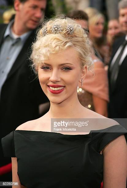 Actress Scarlett Johansson arrives the 77th Annual Academy Awards at the Kodak Theater on February 27 2005 in Hollywood California