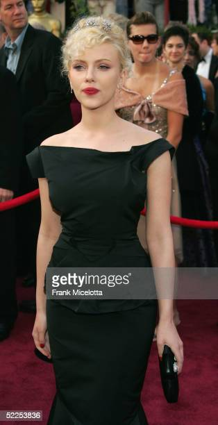Actress Scarlett Johansson arrives the 77th Annual Academy Awards at the Kodak Theater on February 27 2005 in Hollywood California