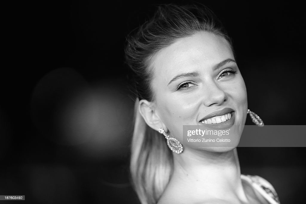 Actress Scarlett Johansson attends 'Her' Premiere during The 8th Rome Film Festival at Auditorium Parco Della Musica on November 10, 2013 in Rome, Italy.