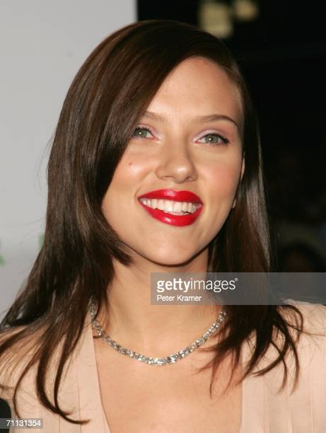 Actress Scarlett Johansson attends the 2006 CFDA Awards at the New York Public Library June 5, 2006 in New York City.