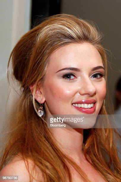 Actress Scarlett Johansson attends the Bloomberg Vanity Fair White House Correspondents' Association dinner afterparty in Washington DC US on...