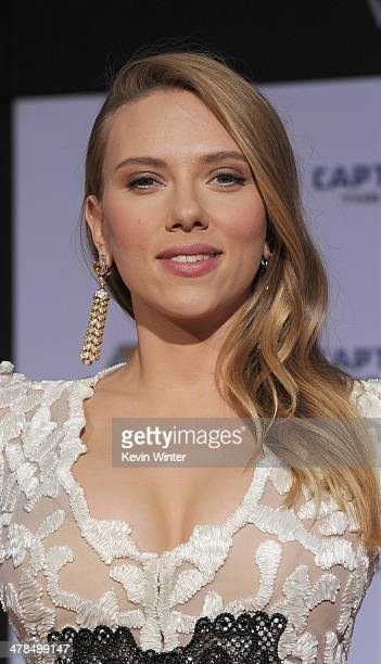 Actress Scarlett Johansson attends the premiere of Marvel's 'Captain America The Winter Soldier' at the El Capitan Theatre on March 13 2014 in...