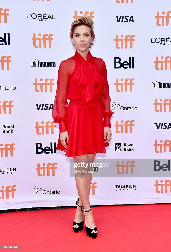 Actress Scarlett Johansson attends the 'Sing' premiere during the 2016 Toronto International Film Festival at Princess of Wales Theatre on September 11, 2016 in Toronto, Canada.