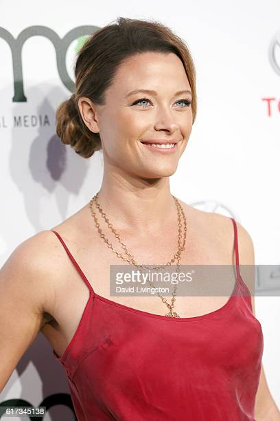 Actress Scottie Thompson attends the Environmental Media Association 26th Annual EMA Awards Presented By Toyota Lexus And Calvert at Warner Bros...