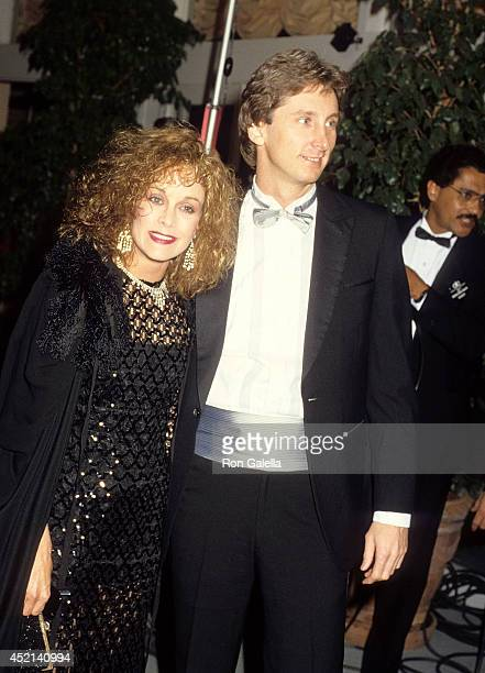 Actress Season Hubley and date attend the 43rd Annual Golden Globe Awards on January 24 1986 at the Beverly Hilton Hotel in Beverly Hills California