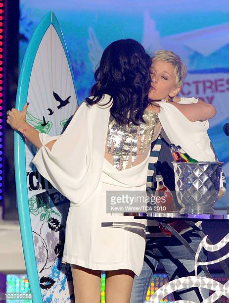 Actress Selena Gomez accepts the Choice TV Actress Comedy award from TV personality Ellen DeGeneres onstage during the 2010 Teen Choice Awards at...