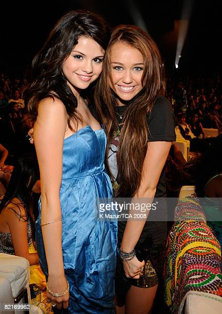 LOS ANGELES CA AUGUST 03 Actress Selena Gomez and host Miley Cyrus during the 2008 Teen Choice Awards at Gibson Amphitheater on August 3 2008 in Los...