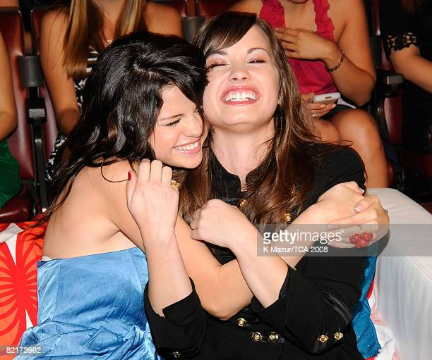 LOS ANGELES CA AUGUST 03 Actress Selena Gomez and singer Demi Lovato during the 2008 Teen Choice Awards at Gibson Amphitheater on August 3 2008 in...