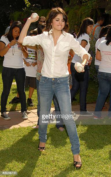 Actress Selena Gomez attends the Amber Watch Fun Faire produced by Backstage Creations on September 27, 2008 in Los Angeles, California.