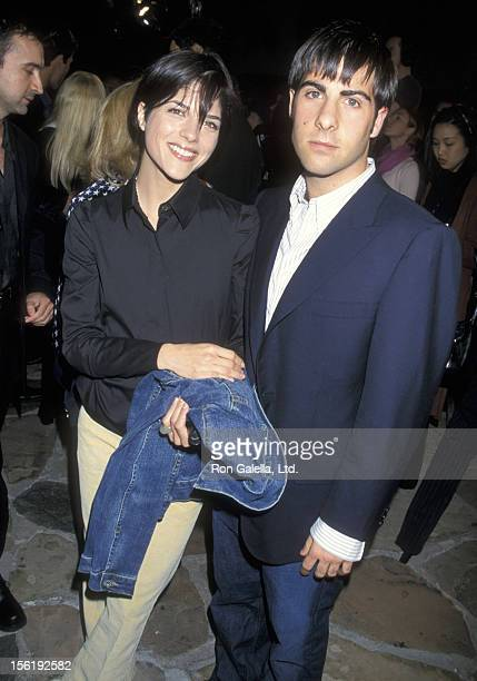 Actress Selma Blair and actor Jason Schwartzman attend the premiere of 'Shallow Hal' on November 1, 2001 at Mann Village Theater in Westwood,...