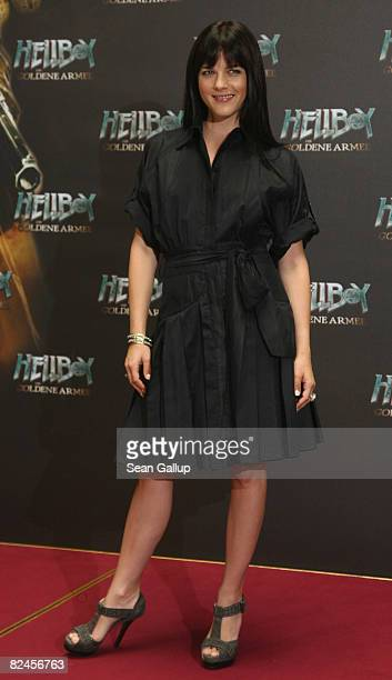 """Actress Selma Blair attends the photocall to """"Hellboy II: The Golden Army"""" at the Adlon Hotel on August 19, 2008 in Berlin, Germany."""