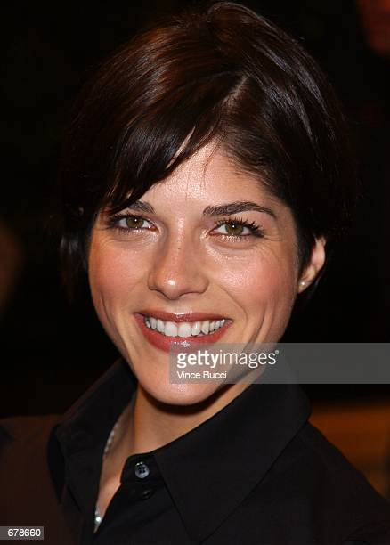 """Actress Selma Blair attends the premiere of the film """"Shallow Hal"""" November 1, 2001 in Los Angeles, CA."""