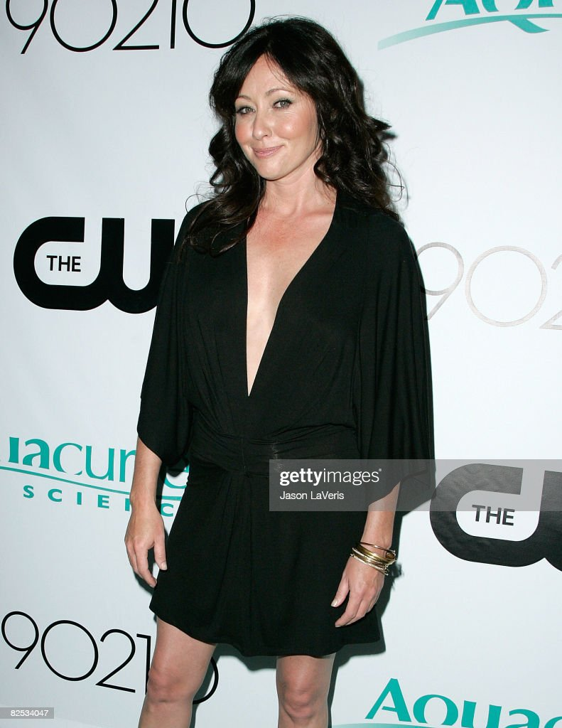 Actress Shannen Doherty arrives at the Los Angeles Premiere Party for CW Network's '90210' Television Show on August 23, 2008 in Malibu, California.
