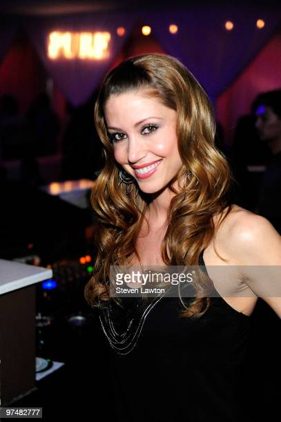 Actress Shannon Elizabeth arrives to host a evening at the Pure Nightclub at Caesars Palace on March 5, 2010 in Las Vegas, Nevada.