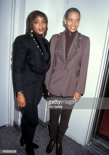 Actress Shari Headley attends the Chidlren's Friends For Life AIDS Benefit on September 29 1995 at West 31st St Penthouse in New York City