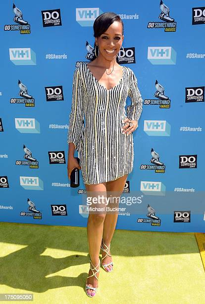 Actress Shaun Robinson arrives at the DoSomethingorg and VH1's 2013 Do Something Awards at Avalon on July 31 2013 in Hollywood California