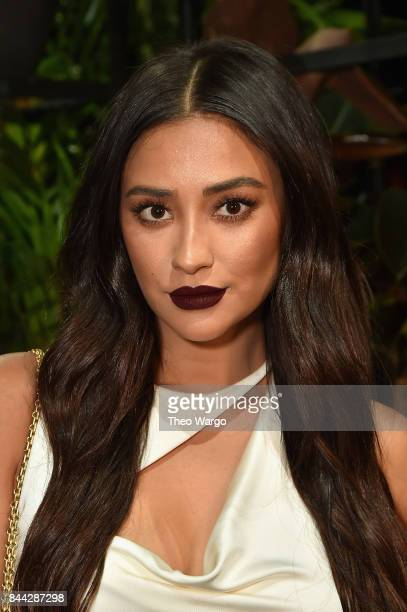 Actress Shay Mitchell attends the Cushnie Et Ochs fashion show during New York Fashion Week The Shows at Gallery 1 Skylight Clarkson Sq on September...