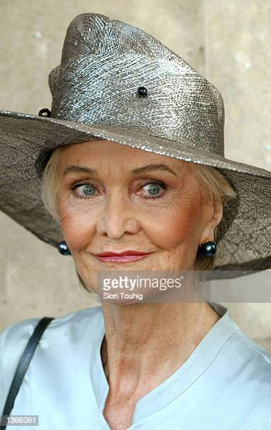 Actress Sheila Hancock smiles for photographers as he arrives to attend a memorial service for her husband actor John Thaw September 4 2002 at St...