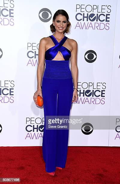 Actress Shelley Hennig attends the People's Choice Awards 2016 at Microsoft Theater on January 6 2016 in Los Angeles California