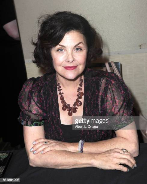 Actress Sherilyn Fenn at The Hollywood Show held at Westin LAX Hotel on October 21 2017 in Los Angeles California