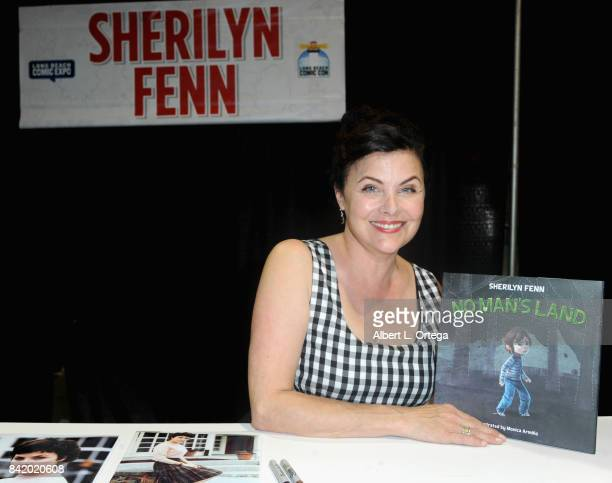 Actress Sherilyn Fenn attends the 2017 Long Beach Comic Con held at the Long Beach Convention Center on September 2 2017 in Long Beach California