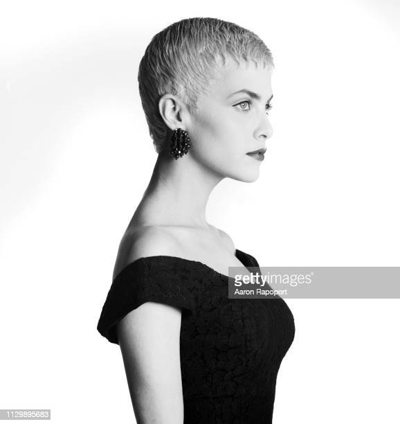 Actress Sherilyn Fenn poses for a portrait in December 1984 in Los Angeles California
