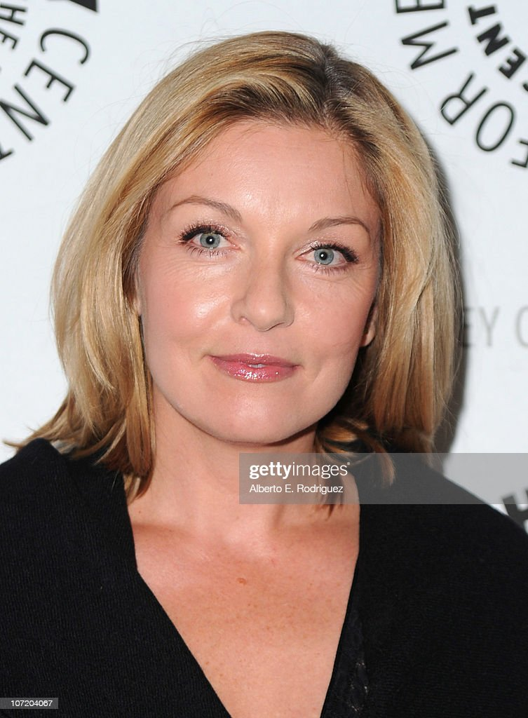 Actress Sheryl Lee arrives to The Paley Center For Media's presentation of a 'Psych' And 'Twin Peaks' Reunion on November 29, 2010 in Beverly Hills, California.