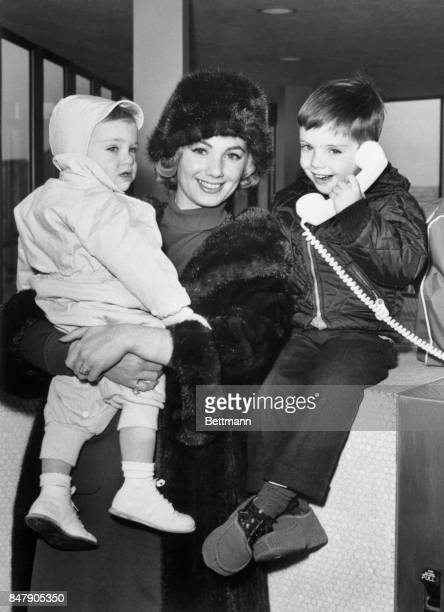 Actress Shirley Jones checks into town for a brief holiday before winging to Rome for another movie assignment She is with her two sons Patrick and...