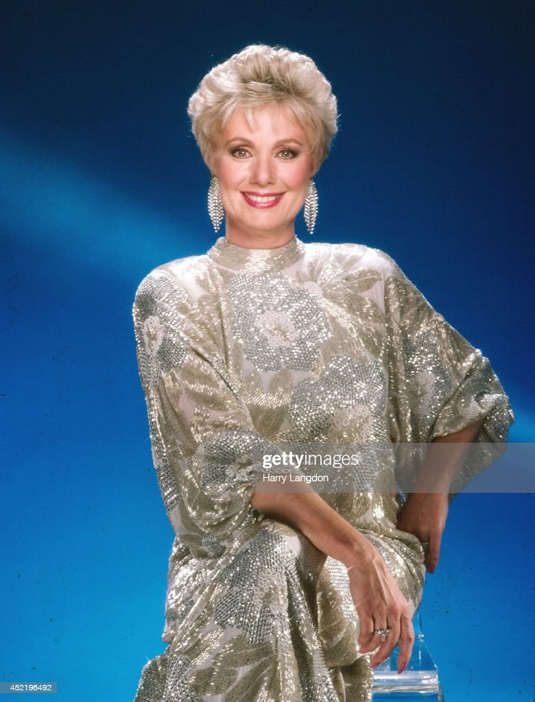 shirley jones portrait session pictures   getty images