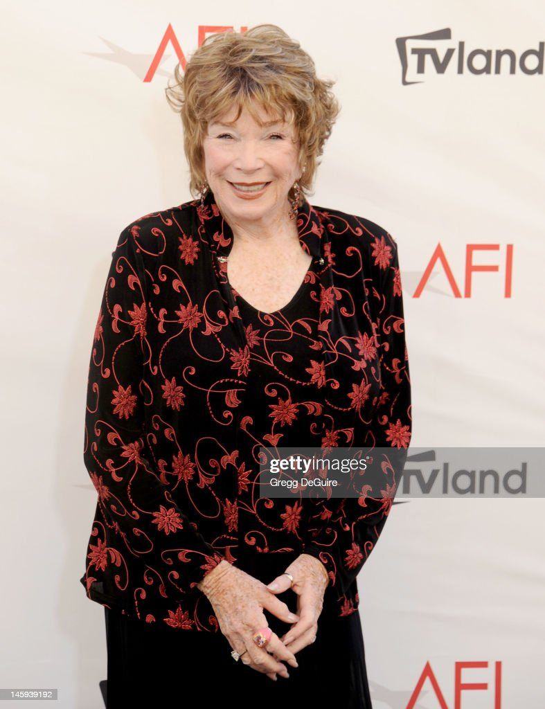 Actress Shirley MacLaine arrives at the 40th AFI Life Achievement Award honoring Shirley MacLaine at Sony Studios on June 7, 2012 in Los Angeles, California.