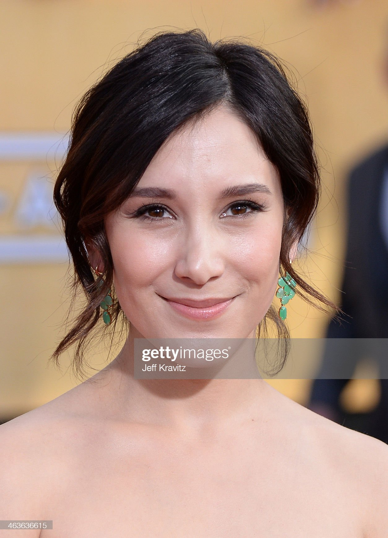 ¿Cuánto mide Sibel Kekilli? - Real height Actress-sibel-kekilli-attends-the-20th-annual-screen-actors-guild-at-picture-id463636615?s=2048x2048
