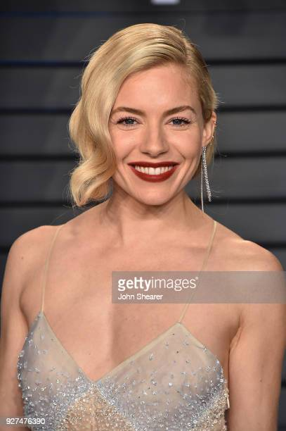 Actress Sienna Miller attends the 2018 Vanity Fair Oscar Party hosted by Radhika Jones at Wallis Annenberg Center for the Performing Arts on March 4...