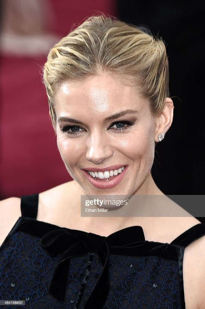 Actress Sienna Miller attends the 87th Annual Academy Awards at Hollywood & Highland Center on February 22, 2015 in Hollywood, California.
