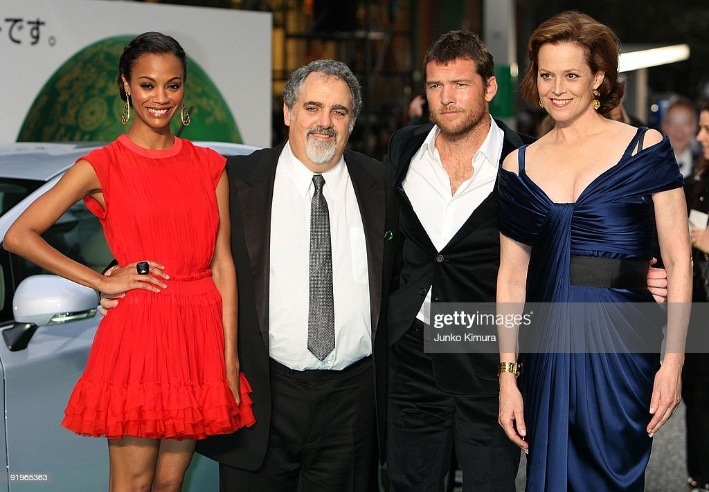 Actress Sigourney Weaver (R), actor Sam Worthington (2R) and Zoe Saldana (L) walk on the green carpet during the 22nd Tokyo International Film Festival Opening Ceremony at Roppongi Hills on October 17, 2009 in Tokyo, Japan. TIFF takes place from October 17 to 25, showing around 270 films during the festival. TIFF consists of 6 categories; Special Screenings, Competition, Winds of Asia-Middle East, Japanese Eye, World Cinema and natural TIFF supported by Toyota.