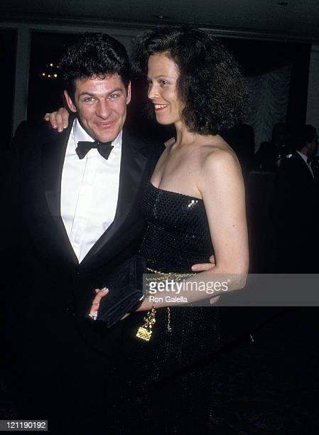 Actress Sigourney Weaver and husband Jim Simpson attend the American Academy of Dramatic Arts Honors Hume Cronyn and Jessica Tandy on May 1, 1988 at...