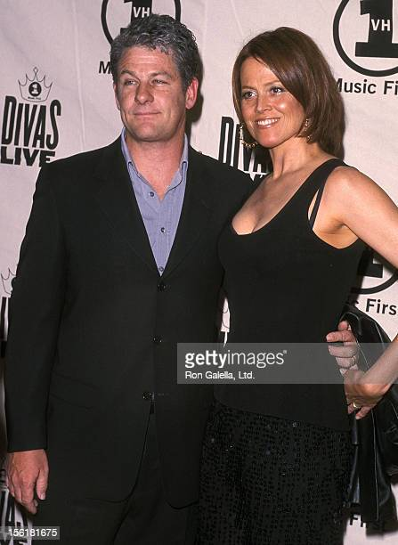Actress Sigourney Weaver and husband Jim Simpson attend the VH1 Television Special 'Divas Live The One and Only Aretha Franklin' on April 10 2001 at...