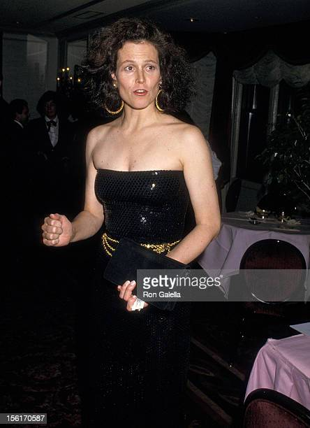 Actress Sigourney Weaver attends the American Academy of Dramatic Arts Honors Hume Cronyn and Jessica Tandy on May 1, 1988 at the St. Regis Hotel in...