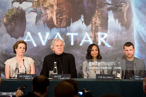 Actress Sigourney Weaver director James Cameron actress Zoe Saldana and actor Sam Worthington attend 'Avatar' Press conference in Paris