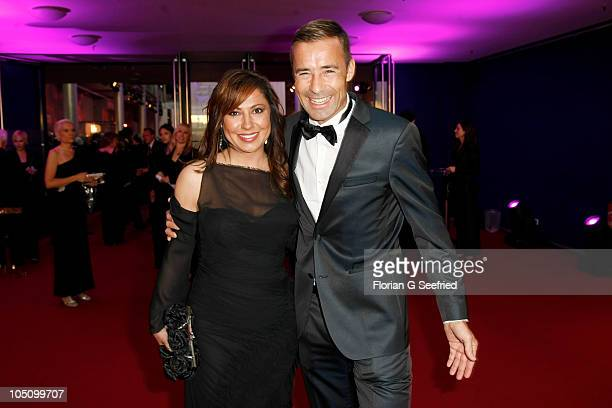 Actress Simone Thomalla and tv host Kai Pflaume attend the German TV Award 2010 at Coloneum on October 9, 2010 in Cologne, Germany.