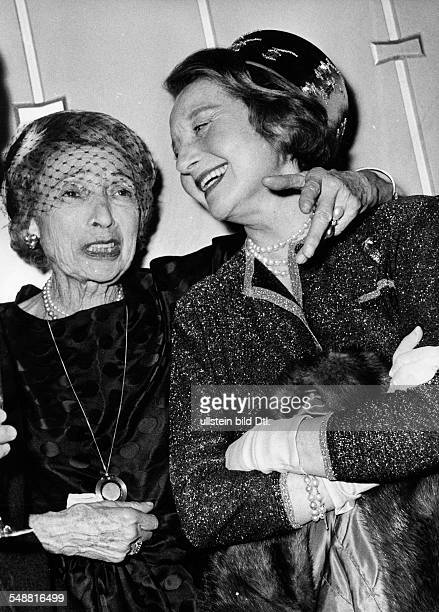 Actress Singer Austria *21031882 nee Friederike Masareck Portrait with Barbara Bergner about 1960 Vintage property of ullstein bild