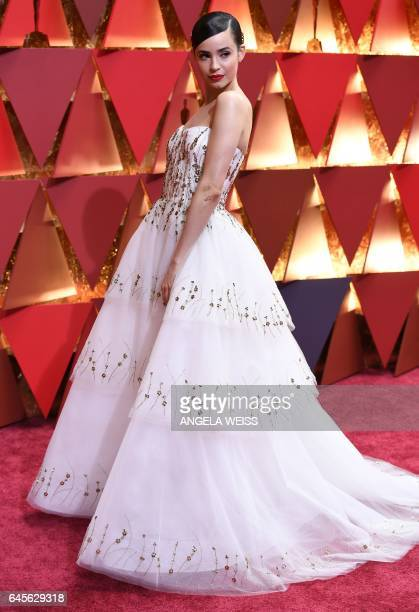 US actress Sofia Carson arrives on the red carpet for the 89th Oscars on February 26 2017 in Hollywood California / AFP / ANGELA WEISS
