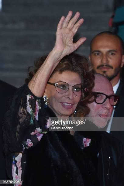Actress Sofia Loren gestures prior the Dolce Gabbana Alta Moda and Alta Sartoria collections fashion show at Soumaya Museum on April 18 2018 in...